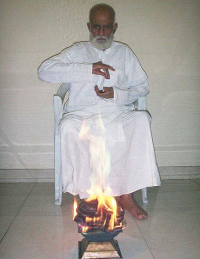 1-shree-vasant-agnihotra-offering-v